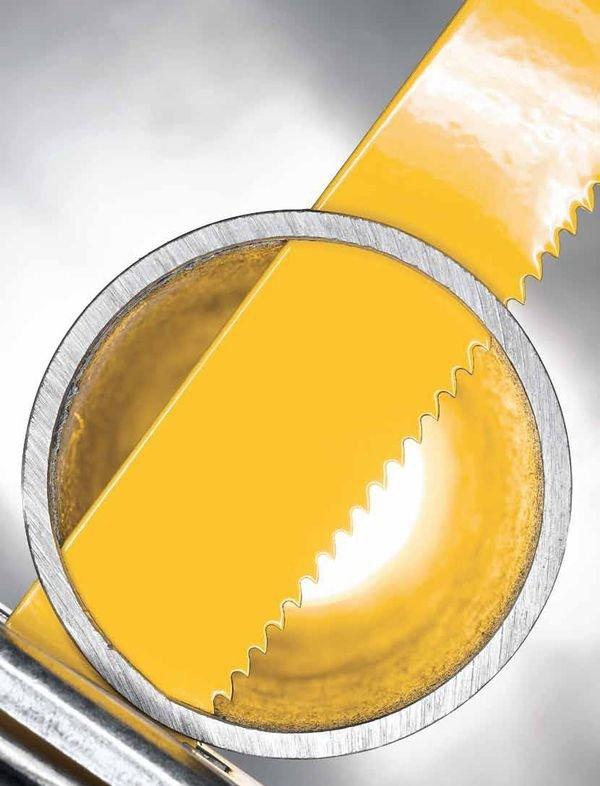 При выборе электрической ножовки обратите особое внимание на мощность инструмента, частоту хода полотна, на максимальную глубину и ширину пропила