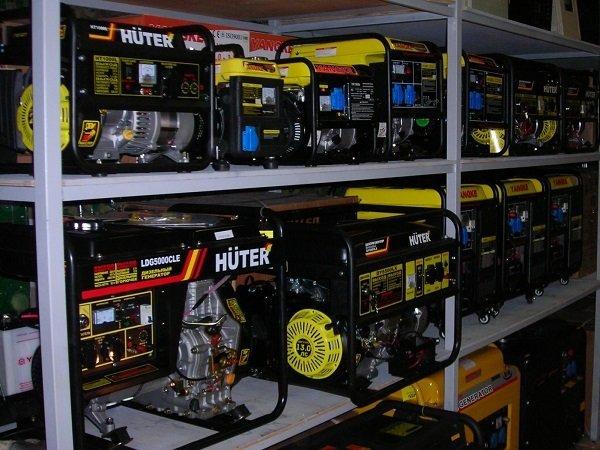 В магазине нужно уточнять, к какому типу относится генератор: синхронному или асинхронному