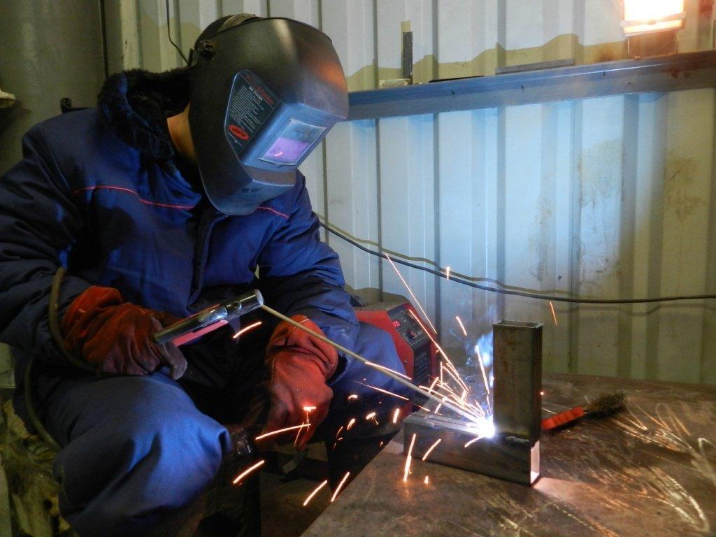 Сварщика стоимость часа в часа строительстве чел рабочих стоимость