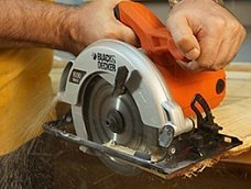 Дисковая пила Black&Decker CS1500